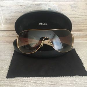 Prada Wrap sunglasses 🕶